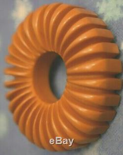 GORGEOUS VINTAGE BAKELITE CHUNKY DEEP CARVED BUTTERSCOTCH BROOCH PIN -20.6 g
