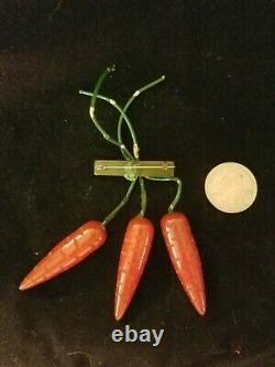 Rare Vintage Pin Bakelite Bunch Of Carrots, Very Good Condition