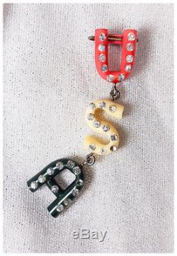 VICTORY! WWII vintage 40s bakelite RHINESTONE hat purse dress pin brooch vlv 50s