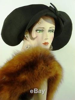 VINTAGE HAT 1910s, ANDREW FORBES 5TH AVE NY, BLACK FINE FELT & LG. BAKELITE PIN