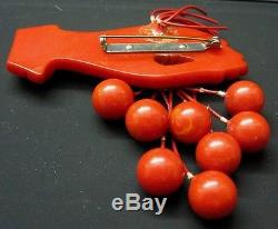 VINTAGE RARE BAKELITE HAND CHERRIES BALLS BROOCH PIN CARVED no reserv