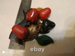 Very rare vintage bakelite pin brooch dangle strawberry