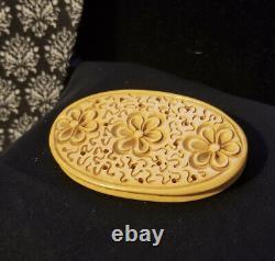 Vintage Bakelite Large Deep Carved Spring Flower Brooch Pin Butterscotch