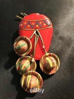 Vintage Bakelite Pin Mexican Jug With Wood Sombreros