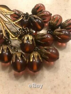 Vintage bakelite pin brooch