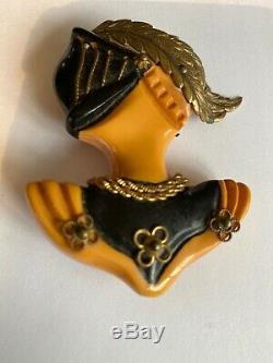 Vtg Art Deco Heraldic Knight Butterscotch Bakelite Hand Carved Brooch Pin